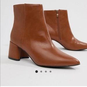 Heeled ankle boots booties pointed toe sz 7